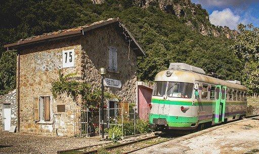 Il bellissimo trenino verde in Sardegna