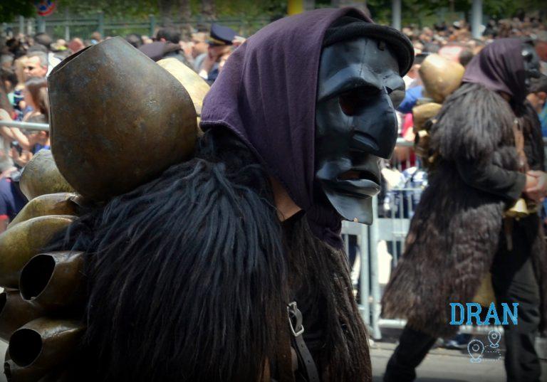 Borghi Sardegna la bellissima maschera di Mamoiada