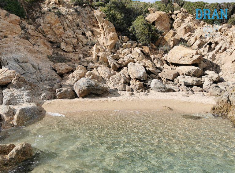 cosa vedere a villasimius spiagge remote