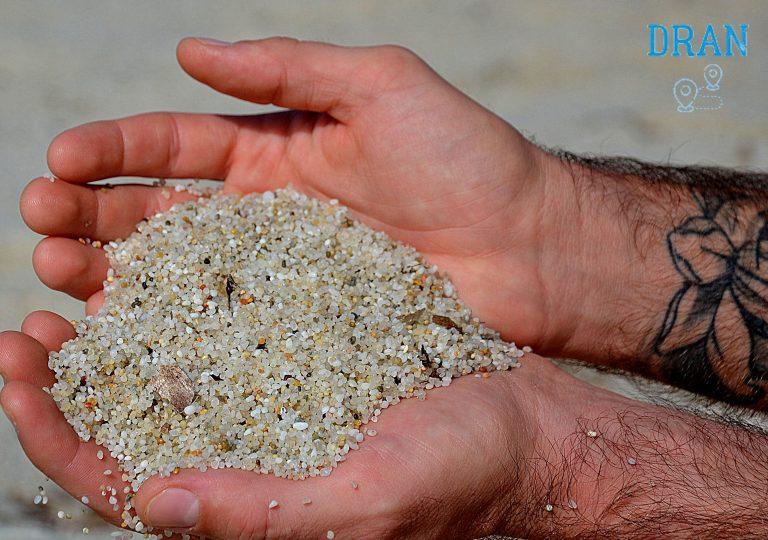 cosa vedere a oristano la spiaggia di is arutas