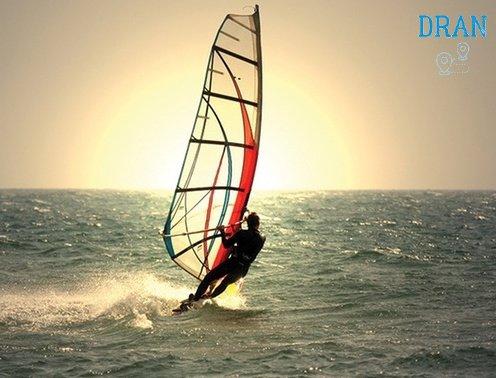 cosa vedere a oristano e cosa fare wind surf